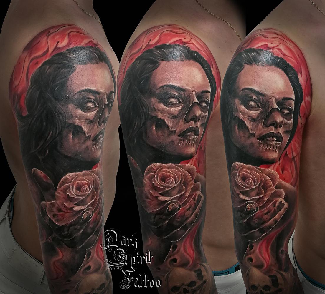 tatouage tete de mort realiste femme